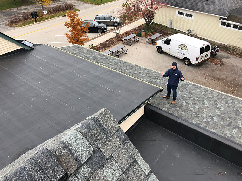 Wisconsin Roofing LLC | Milwaukee | Commercial Roofs | CertaindTeed Landmark PRO | Georgetown Grey | EPDM Rubber Roof