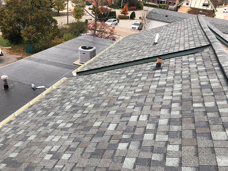 Wisconsin Roofing LLC   Milwaukee   Commercial Roofs   CertainTeed Landmark PRO   Rubber Roof