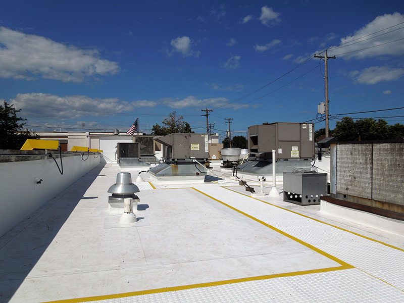 Wisconsin Roofing LLC | McDonald's Milwaukee | Commercial Roofs | TPO