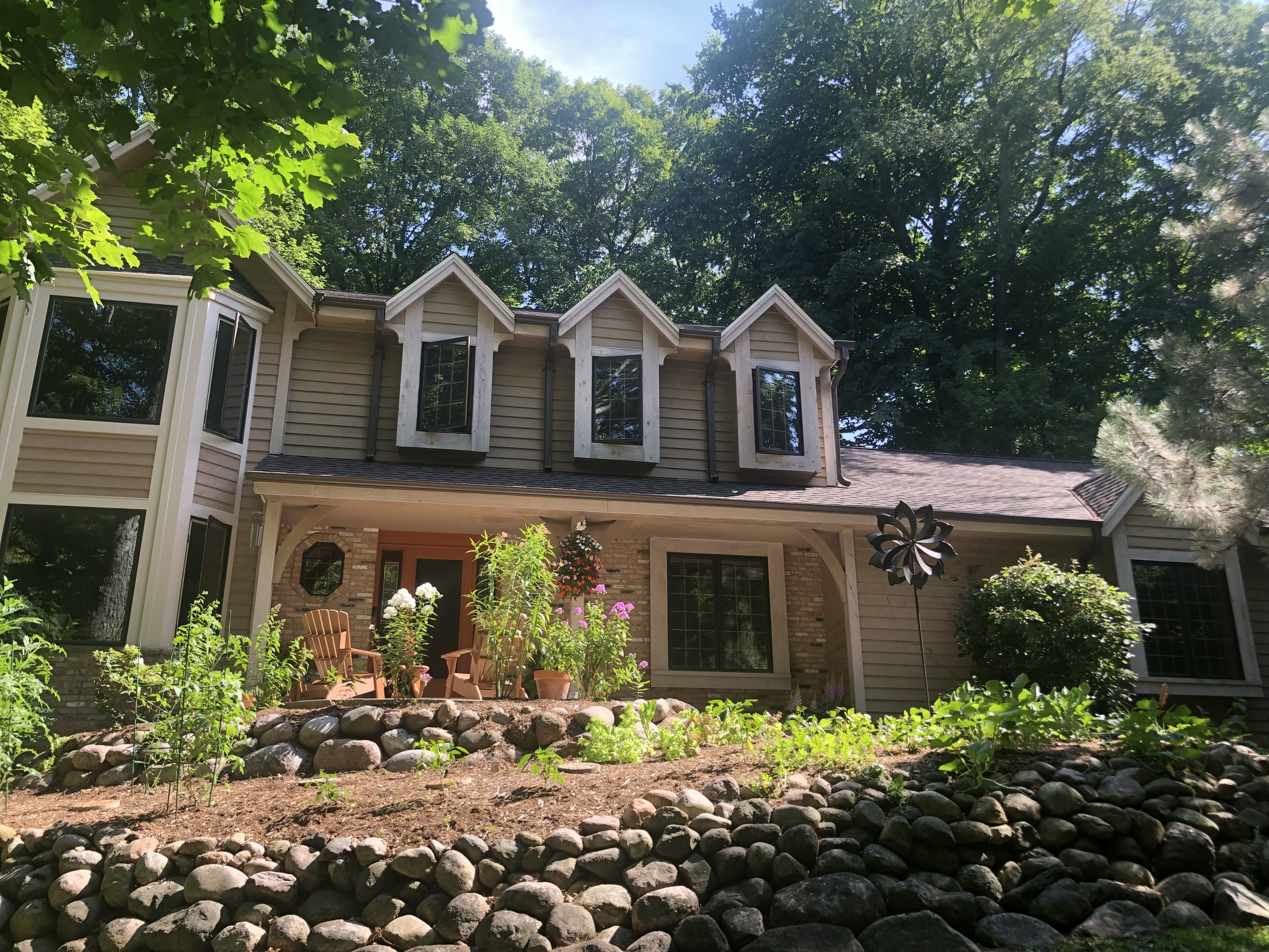 Wisconsin Roofing LLC | Brookfield | Upgraded CertainTeed Landmark PRO Shingles | Burnt Sienna | New gutters | New RAINDROP Leaf Protection | Extensive Landscaping Front