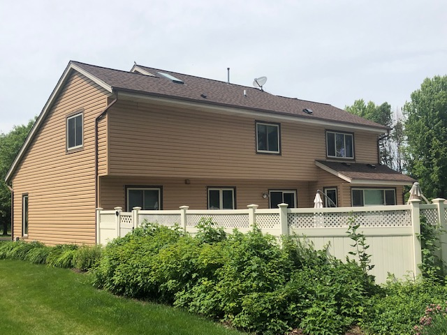 Wisconsin Roofing LLC | Cedarburg | Residential | Landmark Burnt Sienna | Custom house with new roof back