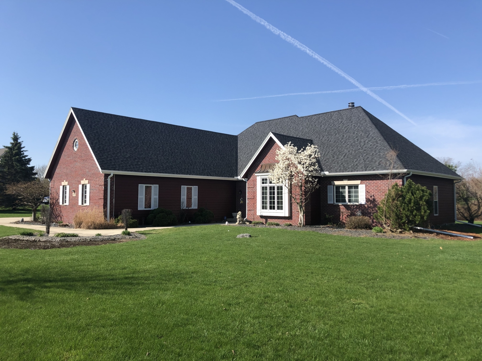 Wisconsin Roofing LLC | Richfield | Upgraded Roof | Moire Black