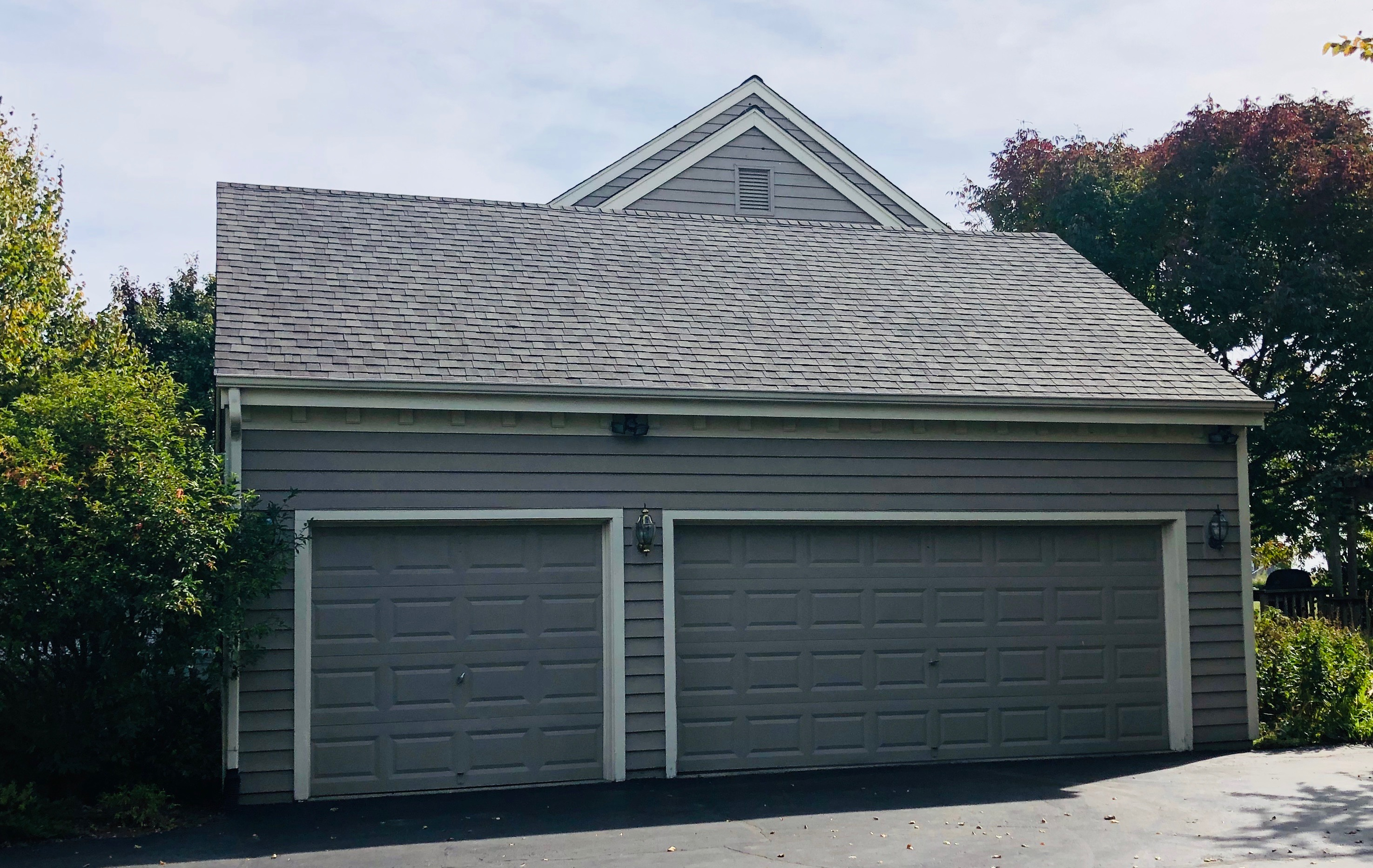 Wisconsin Roofing LLC | Mequon | Updated Roof | Used Synthetic underlayment felt | CertainTeed Landmark AR Weatherered Wood | Garage