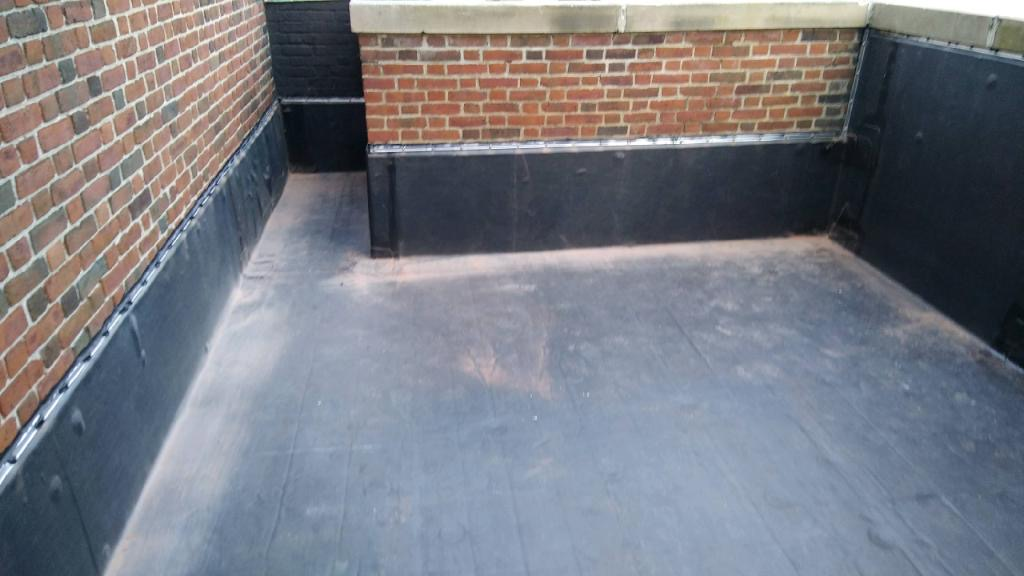 Wisconsin Roofing LLC | Best Work | Flat Deck | Corners | Milwaukee