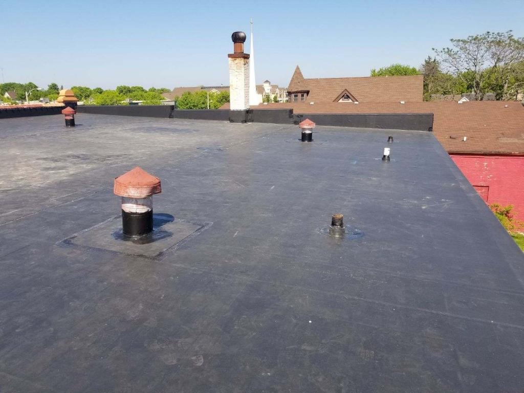 Wisconsin Roofing LLC | Commercial | Flat Roof | New | Milwaukee