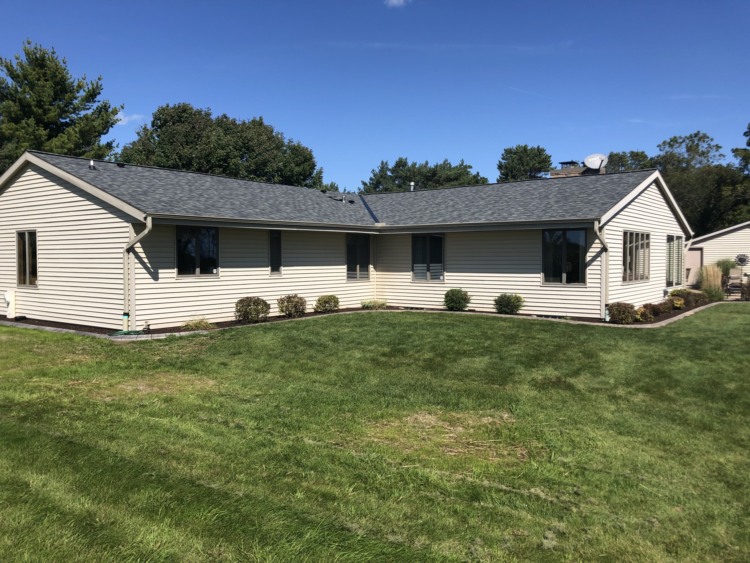 Wisconsin Roofing LLC | OC Estate | Grey | Side | New Berlin