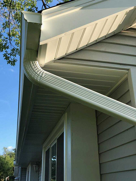 Wisconsin Roofing LLC | Residential | New Aluminum Soffit Custom Bent Fsacia 5 inch Seamless Gutters
