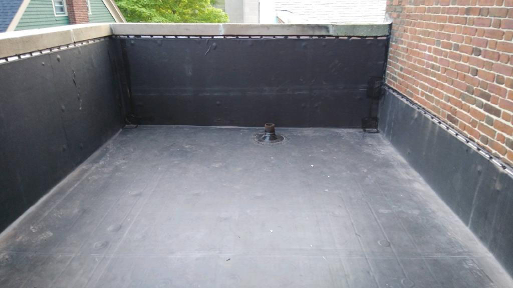 Wisconsin Roofing LLC | Best Work | Flat Deck | Milwaukee