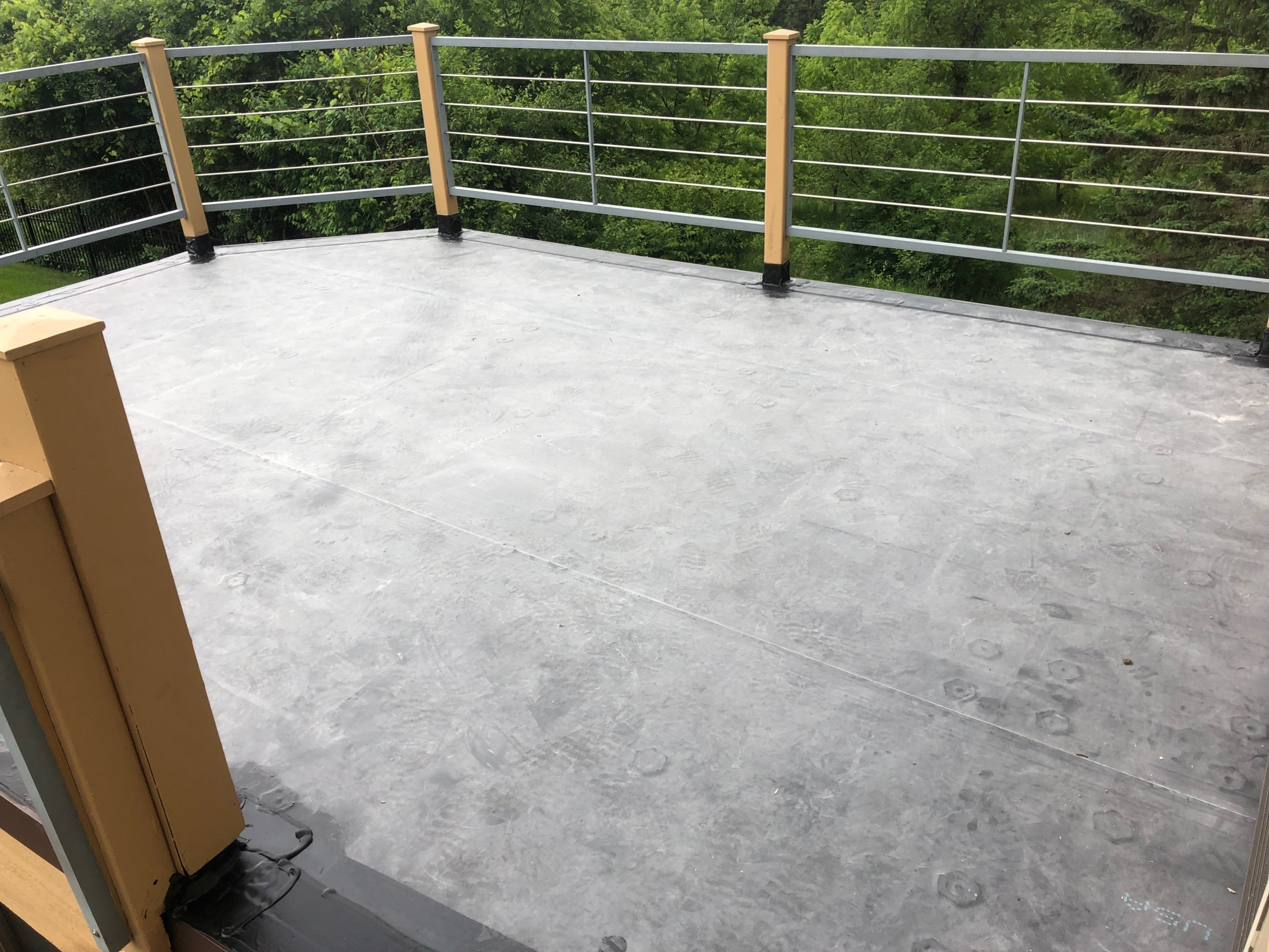 Wisconsin Roofing LLC | Best Work | Flat Deck | Railings | Waukesha