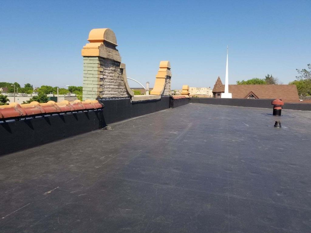 Wisconsin Roofing LLC | Commercial | Flat Roof | Corners | Milwaukee
