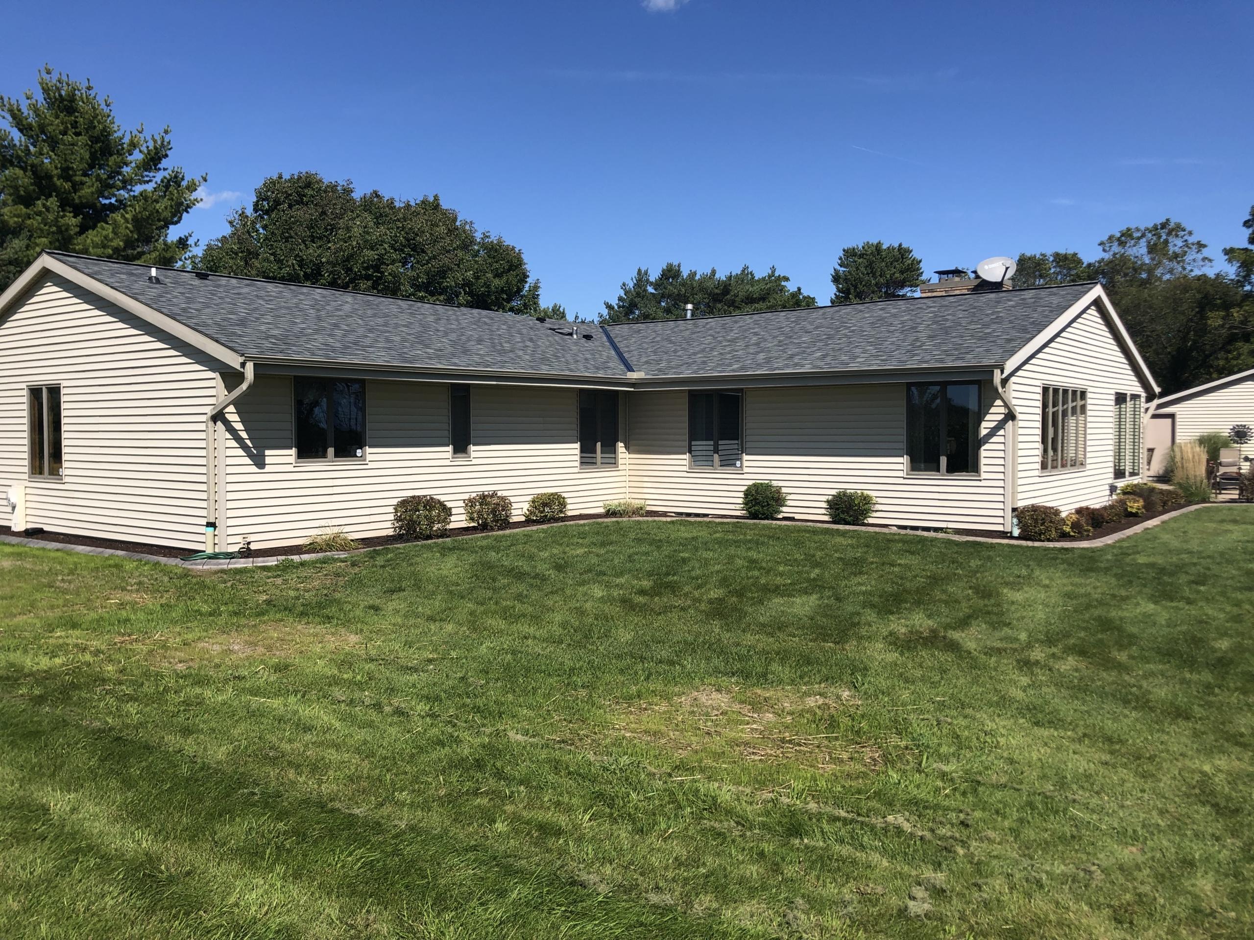 Wisconsin Roofing LLC | OC Estate | Grey | Side | New Berlin