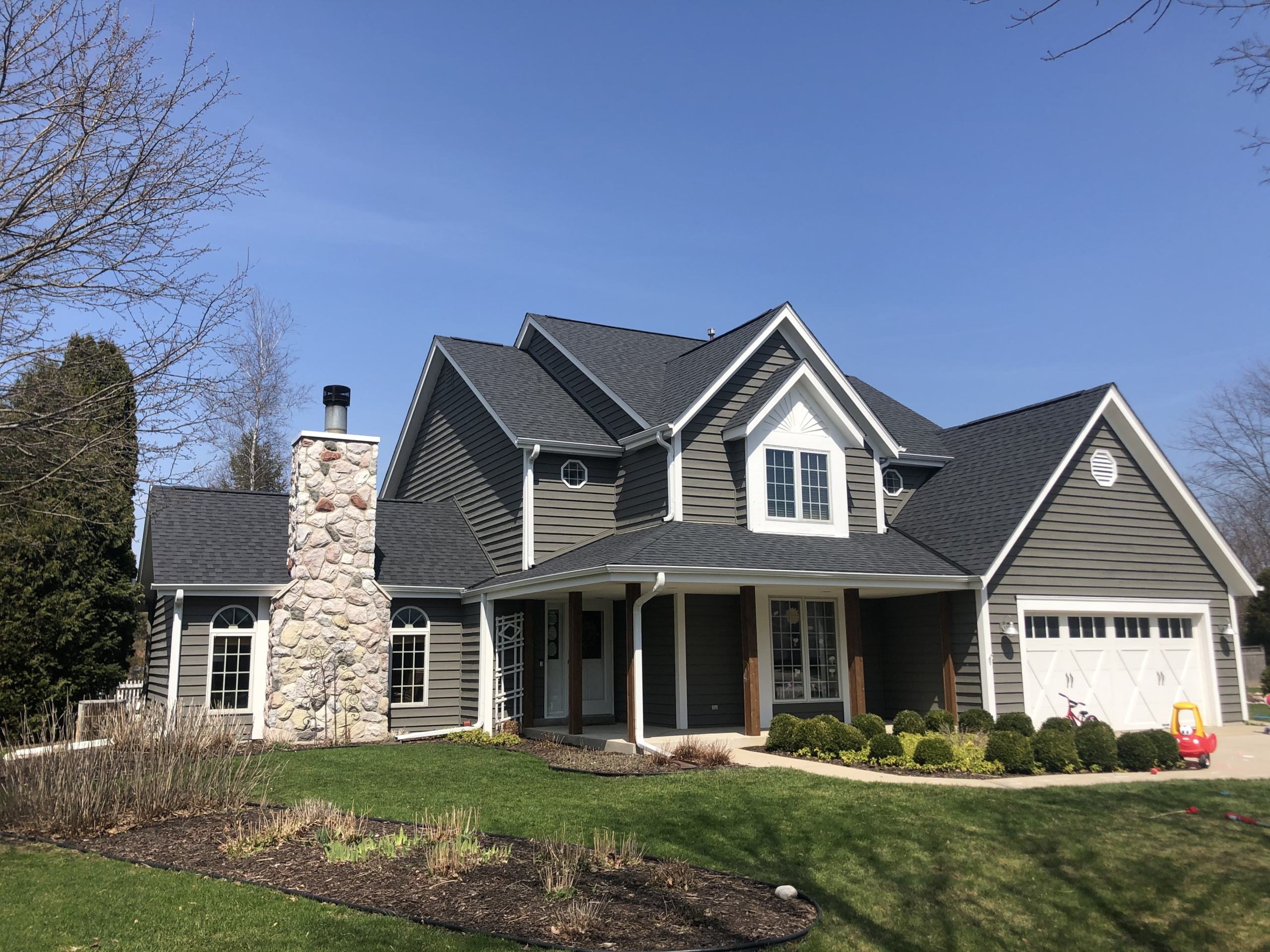 Wisconsin Roofing LLC | Residential | Mequon | New CertainTeed Landmark Pro | Moore Black Shingles