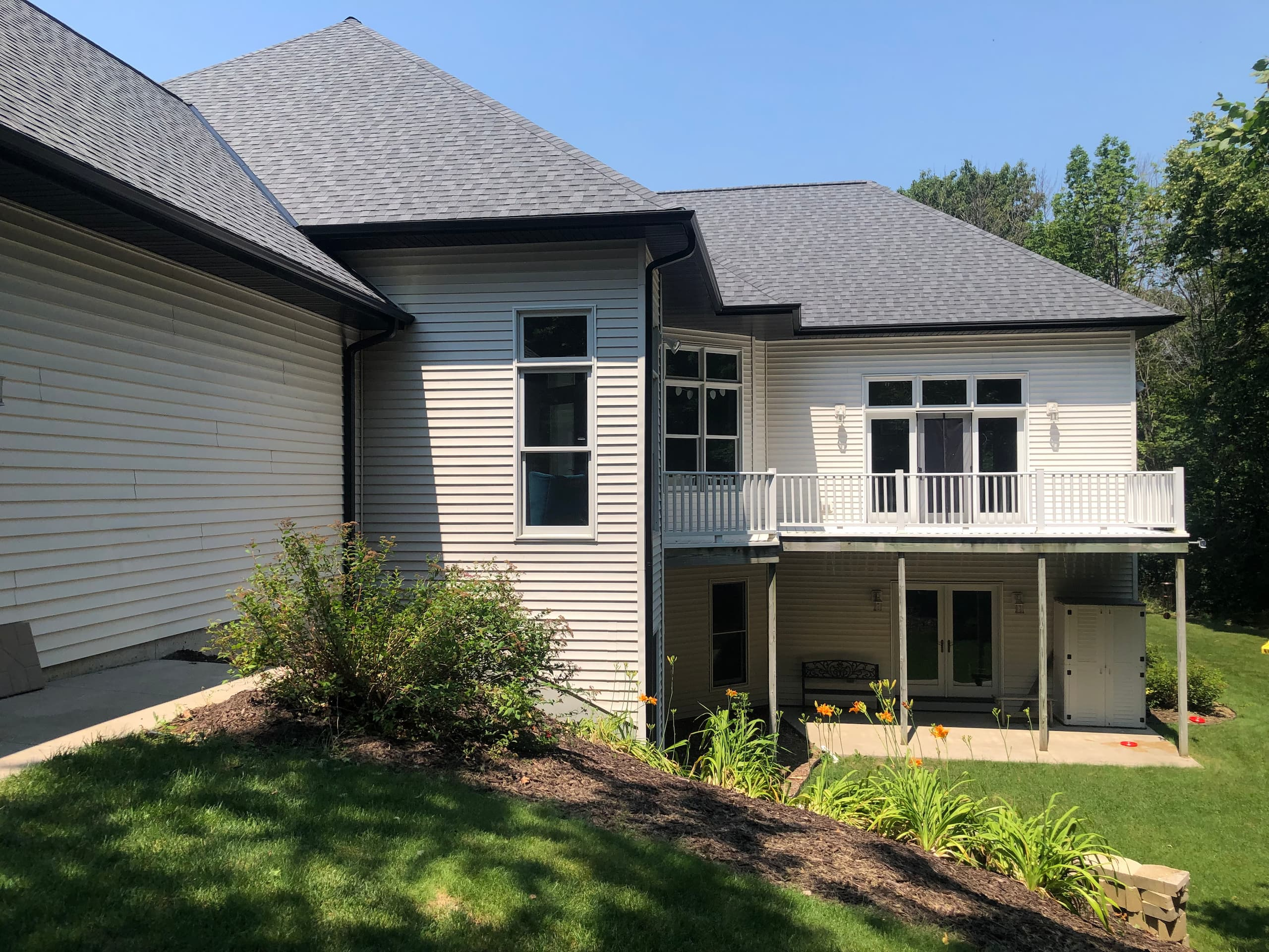 Wisconsin Roofing LLC | Plymouth | CertainTeed Landmark Pewter | New Gutters along over hang