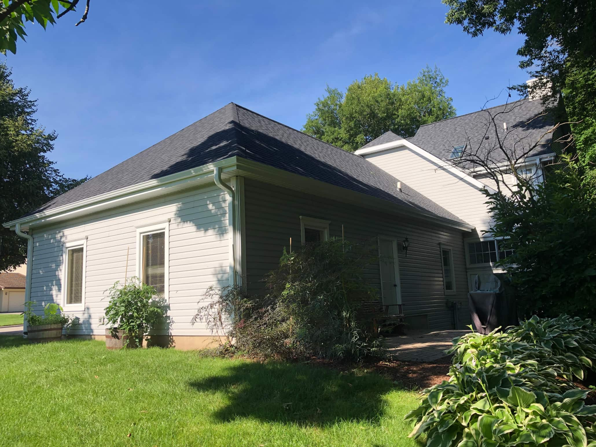 Wisconsin Roofing | Plymouth WI Roofing | Side Garage View